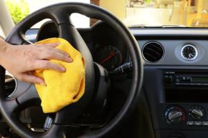 så städar och rengör du bilen på bäst sätt